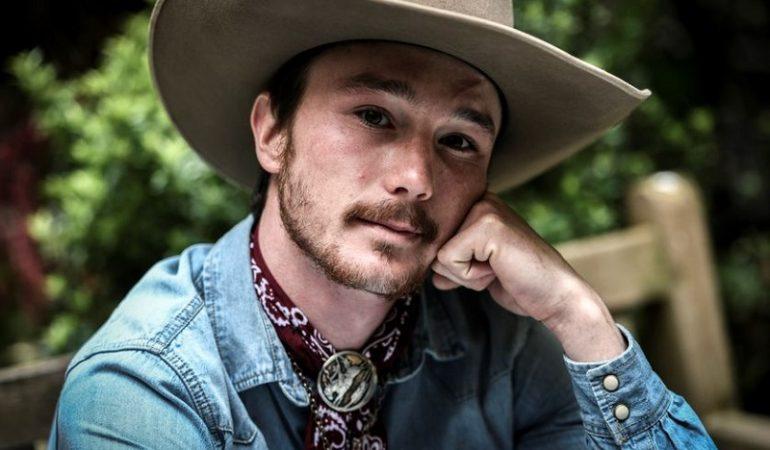 Comment porter un chapeau de cow-boy sans avoir l'air ringard
